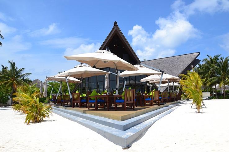 Jumeirah Vittaveli Resort Maldives by Simon*sees (CC BY 2.0)
